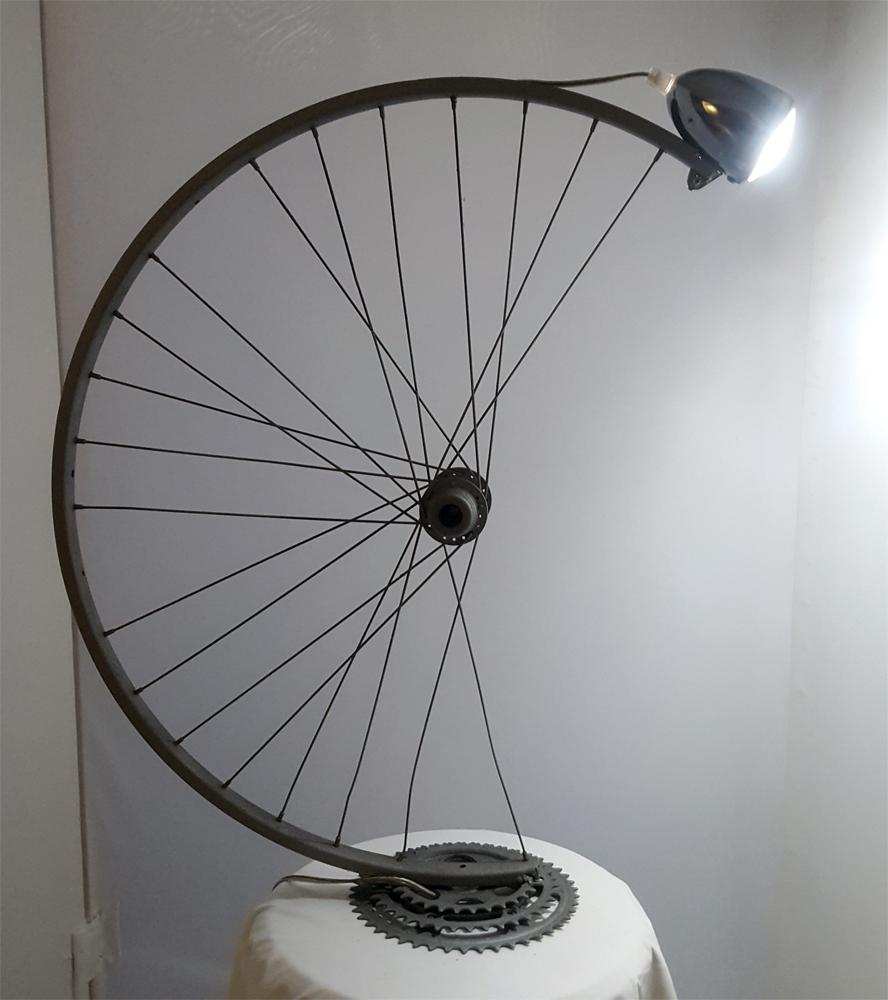 abat jour con ruota di bicicletta